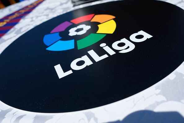 Barcelona agree terms with star defender, Ex Manchester United star wants Real Madrid move and more LaLiga news